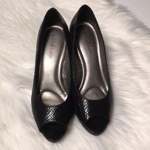 """Kelly & Katie black snakeskin peep toe 3"""" heels"""